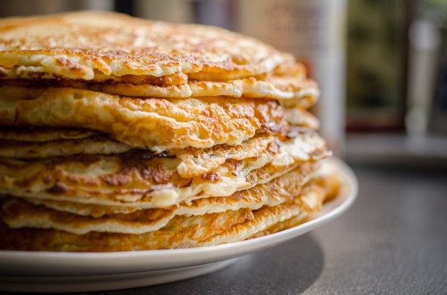 selective-focus-of-pile-of-pan-cakes-730922