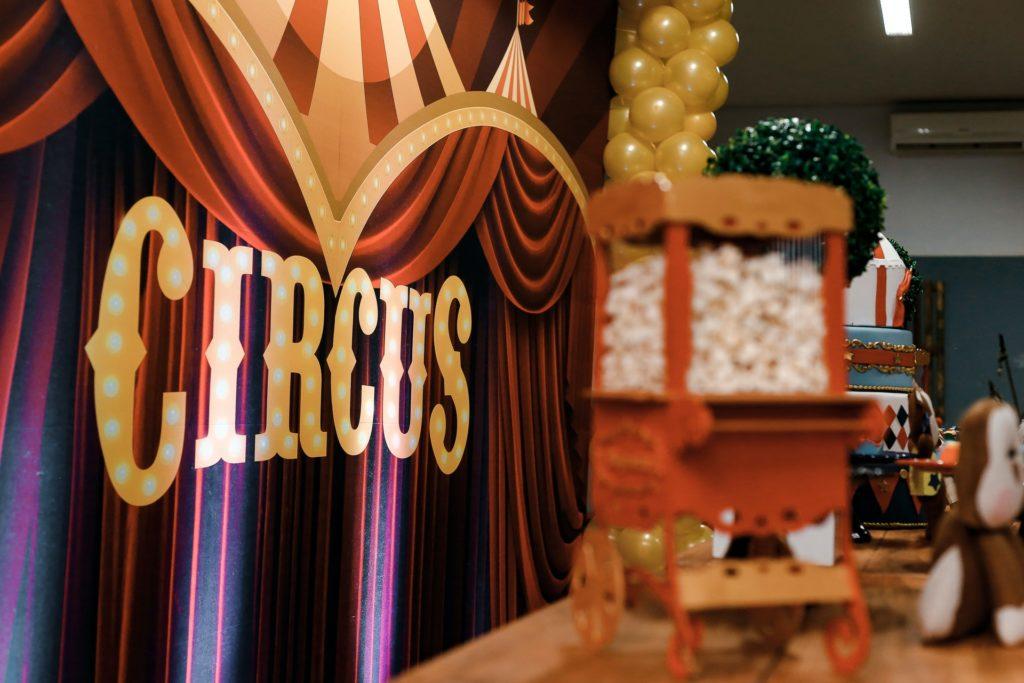 circus-theme-party-2337777